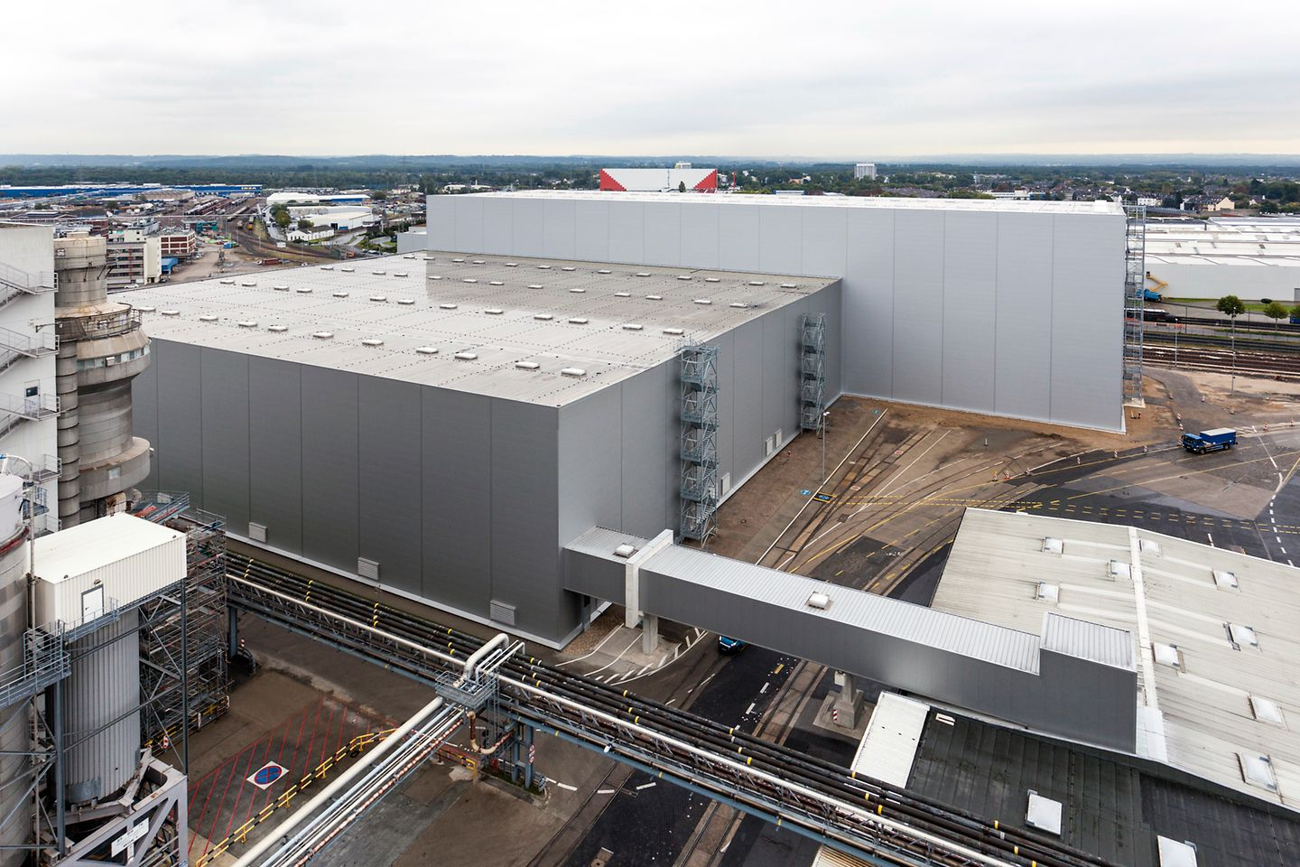 Henkel has expanded its high-bay warehouse at its headquarters in Düsseldorf