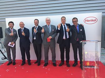 Official opening ceremony (from left to right): Jose A. Montero – Mayor of Montornès del Vallès, Rodolfo Schornberg – President Henkel Iberica, Christian Kirsten – Global Head of the Transport & Metal business unit at Henkel, Peter Rondorf – German Counsel General, Jan-Dirk Auris – Executive Vice President Henkel Adhesive Technologies, Jaume Anguera – Plant Manager for Adhesive Technologies at Henkel Montornès.